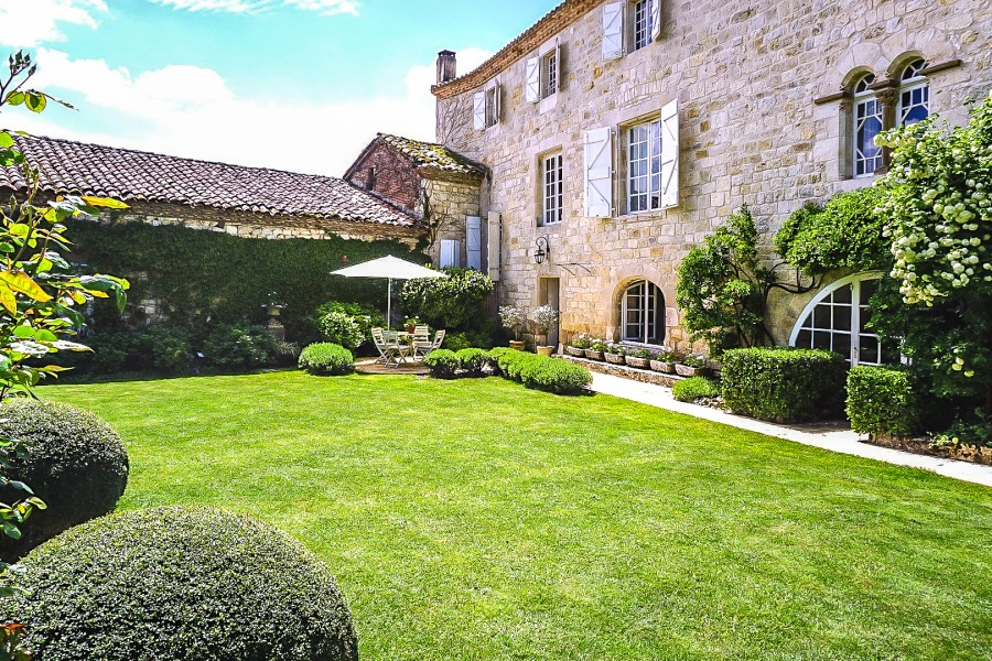 Manor house with pool in village for sale tarn midi for 13th floor south africa